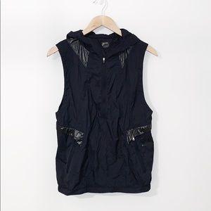 UNDER ARMOUR Nylon Pullover Sleeveless Jacket